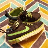 Крутые кеды от Nike, размер 28