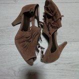 Стильные женские босоножки graceland 38 размер 24.5см стелька