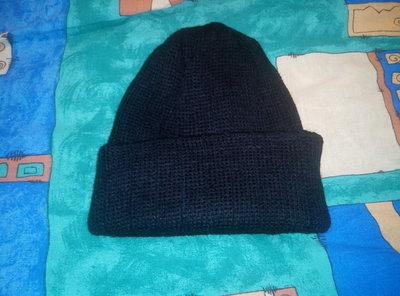 Мужская шапка с отворотом. Теплая вязаная зимняя двойная шапочка. Новая черная