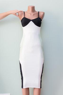 Новое с биркой платье миди колор-блок