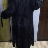 Шуба легкая, на запах, длинное меховое пальто нутрия натуральный мех, с разрезами