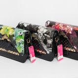 Цвета разные Клатч коробочка лаковый вместительный