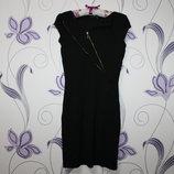Интересное платье с молнией mohito