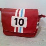 Стильная ,практичная и вместительная сумка через плечо.