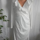 Белое платье на запах с оборками 16р