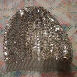 Шапка в паетках под серебро 8-12 лет H&M