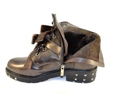 b7b9114f Стильные молодёжные коричневые ботинки с шипами бантами низкий каблук  демисезон. Previous Next