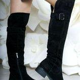 Шикарные натуральные замшевые ботфорты с пряжкой на устойчивом каблуке