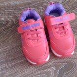 Новые детские кроссовки от Fashion. Размер 26 . Стелька 15 см. Красивые , искусственная кожа снар