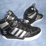 Высокие кроссовки Adidas 22см.