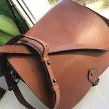Рыжая кожаная сумка clarks