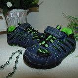 Яркие кроссовки Marks&Spencer 21.5 5 р,ст 14 см.мега выбор обуви и одежды