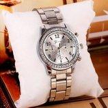 Стильные модные женские часы Genevа Swarowski