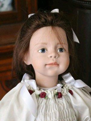 Бесподобная Sanora кукла Sigikid