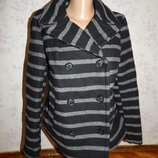пальто короткое, стильное, модное в полоску 30% шерсть р10