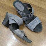 Кожаные шлёпанцы via vai на устойчивом каблуке 38 размер