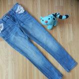 Фирменные джинсы f&fмалышке 5-6 лет состояние отличное