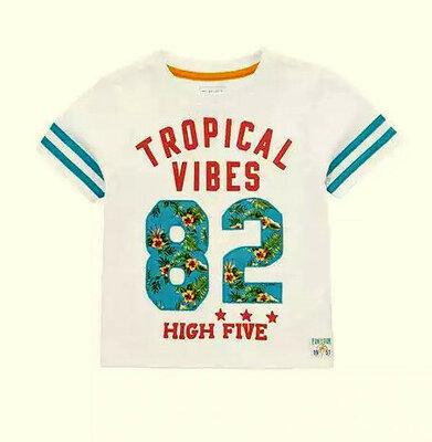 Стильненькие футболочки от f&f на 2-3,3-4 года, англия