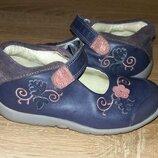 Легкие кожаные туфельки,мокасины Clarks,23 размер.