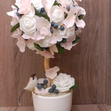 Нежный топиарий с белыми розами - подарок на день влюбленных, 8 Марта, день рождения