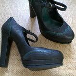 Модельные туфли 39р. 25 см. стильная классика, на все случаи жизни, модный цвет
