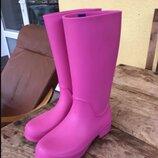 Сапоги резиновые женские высокие мягкие Crocs Women s RainFloe Tall Boot