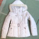 красивая куртка деми с капюшоном,супер цена