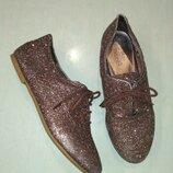 Блестящие туфли на шнурках m&s размер 34,5