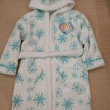 Продам в идеальном состоянии,фирменный Disney,красивейший флисовый халат, 4-6 лет.
