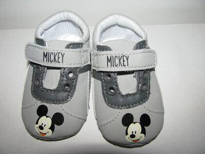 Кросівки нові брендові Disney Оригінал Німеччина р.15 стелька 9,5 см