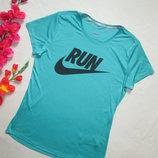 Фирменная спортивная футболка Nike Dri-Fit оригинал .