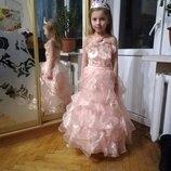 Красивое пышное платье на возраст 8-10лет
