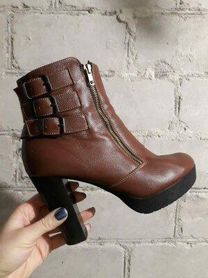 Классные кожанные стильные деми ботинки стелька 26.5 Soldi