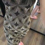Платье нарядное все блестит
