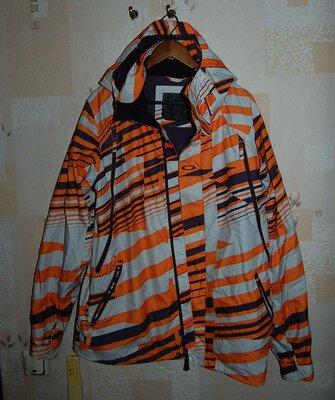 Лыжная куртка OAKLEY , номерной оригинал, на 52- 54 р-р.