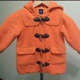 Яркое красивое детское пальто на 3 года