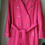 Коралловое двубортное пальто испанского бренда MARTINELLI