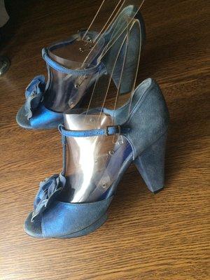 Рр 39-24,5 см кожа стильные яркие босоножки на каблуке andre spain