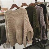 Объемный свитер крупной вязки