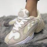 Женские бежевые кроссовки adidas yung 1