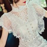 Нежное, женственное платье из изящного дизайнерского итальянского кружева. Платье в ретро стиле.