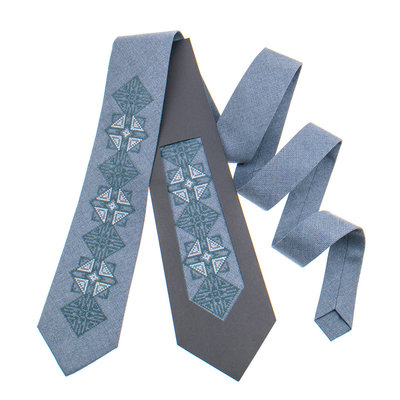 Класична краватка з вишивкою