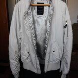 Демисезонная куртка бомбер Bershka
