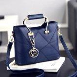 Женская синяя сумка с брелком код 3-390