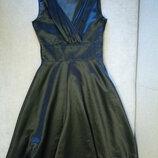 Платье нарядное фирмы Next р.8 в состоянии нового