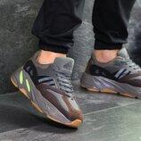 Adidas x Yeezy Boost 700 OG кроссовки мужские демисезонные серые с коричневым 7313