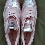 Женские кроссовки размер 40