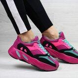 Adidas x Yeezy Boost 700 OG кроссовки женские демисезонные малиновые 7314