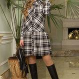 Шерстяное платье-рубашка в клетку с накладным карманом