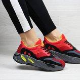 Кроссовки женские Adidas x Yeezy Boost 700 OG red
